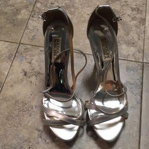 Badgley Mischka Silver heels 7.5